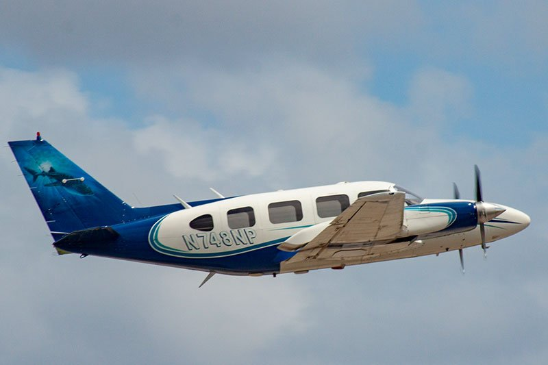 Plane Travel Air - Piper N748NP Navajo Aircraft